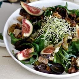 Foto - Exotischer Salat mit Feigen und Orangenzwiebeln -
