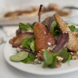 Foto - Salat mit Stilton, Birne und Walnüssen -