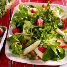 Florette Feldsalat mit Spargel und Erdbeeren