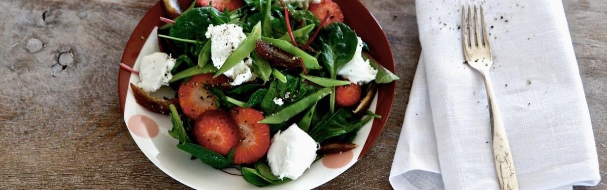 Rotkäppchen-Salat mit Erdbeeren