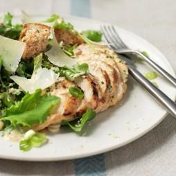 Foto - Caesar Salat mit Grünkohl und gegrilltem Hähnchen -