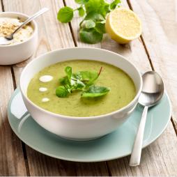 Foto - Grüne Suppe mit Gartenkresse-Salat -