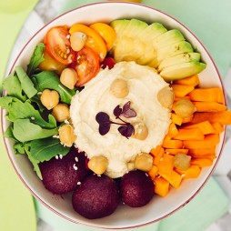 Foto - Traditionelle Hummus-Bowl -