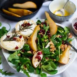 Foto - Feldsalat-Rucola-Duo mit Ziegenkäse-Crostini und karamellisierten Birnen -