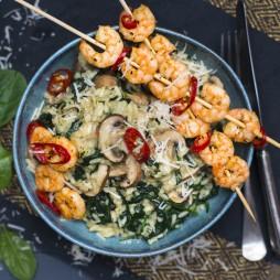 Foto - Spinat-Risotto mit gebratenen Pilzen und knusprigen Garnelen -
