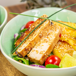 Foto - Exotischer Salat mit Ananas und Tofu -