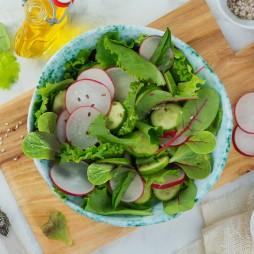 Foto - Bunt & Delikat Salat mit Gurken und Himbeerdressing -
