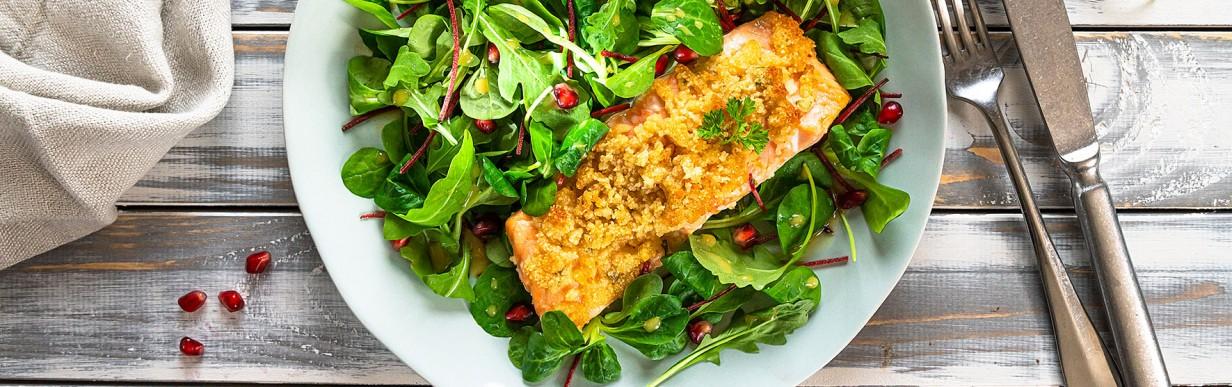 Ofenlachs mit Kräuter-Kruste und Zitrussalat