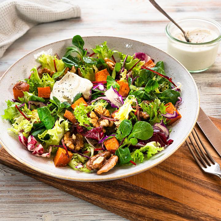 Foto - Herbstlich bunter Salat mit Gebackenen Süßkartoffeln -