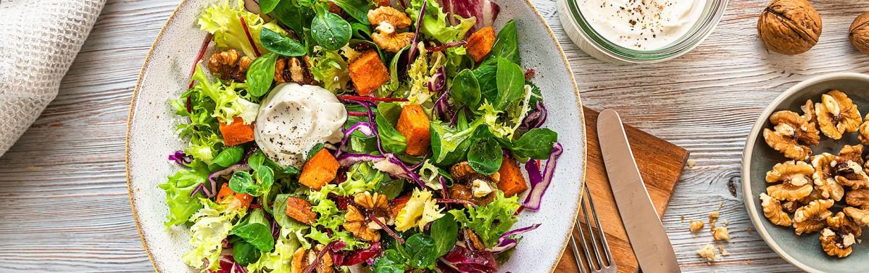 Herbstlich bunter Salat mit Gebackenen Süßkartoffeln