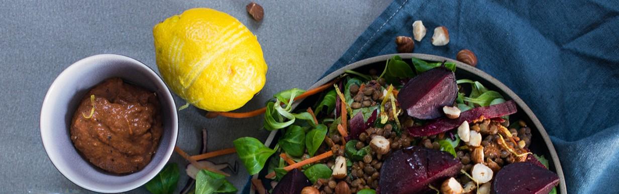 Linsensalat mit gerösteter Roten Bete und Ziegenfrischkäse