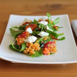 Foto - Salat mit Korallenlinsen, Feta-Käse und Grapefruit -