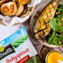 Foto - Babyspinat mit Aubergine, Kichererbsen und Mango-Dressing -