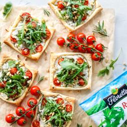 Foto - Blätterteig Häppchen mit Ricotta, Tomaten und Rucola -
